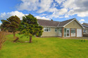 Well-appointed Bungalow, In A Prime Location, Near The Beach And Golf Course At Morfa Nefyn